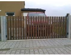 Brána posuvná pojezdová. rám pozink. dř. výplň Prima